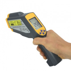 RayTemp 38 infrared thermometer for measuring small surface areas at greater distances